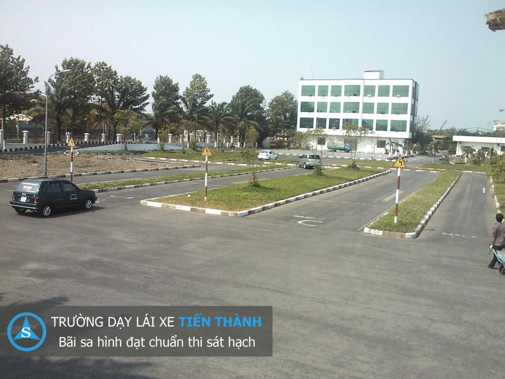 học lái xe ô tô tại Cẩm Phả