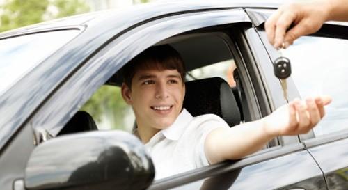 Học Lái Xe ô tô Tại Quận 3 TỐT – Trường Dạy Lái Xe Quận 3 UY TÍN